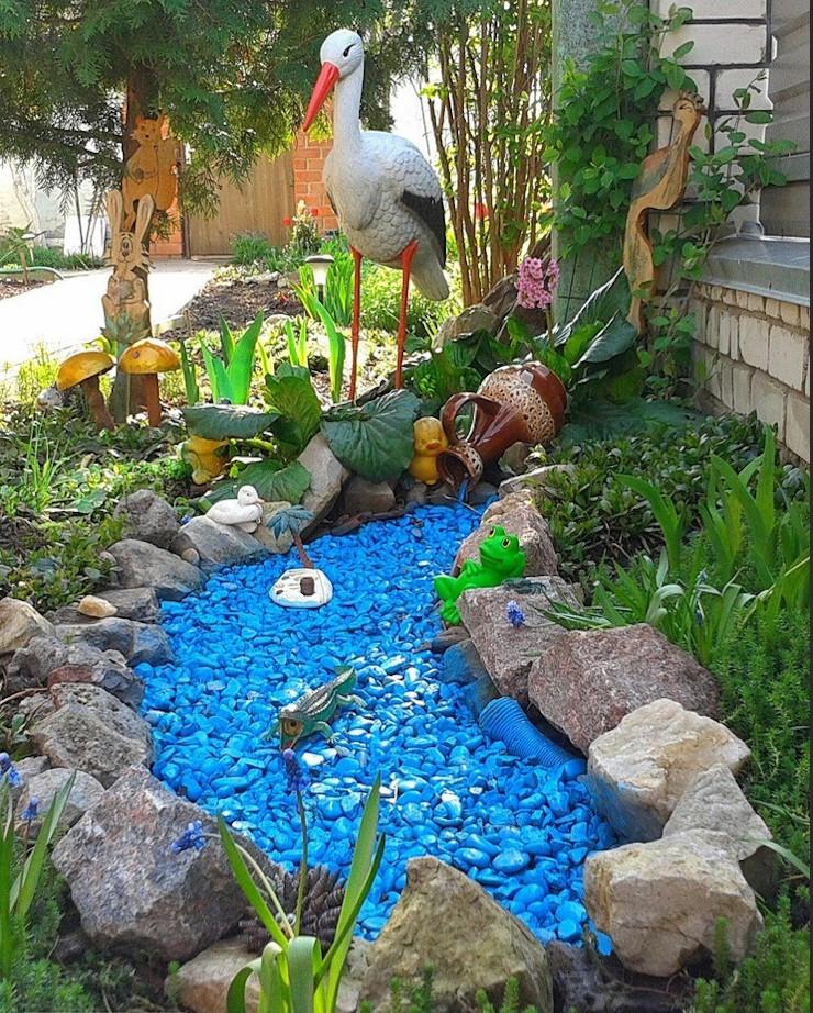 изображение имитации бассейна из цветного щебня