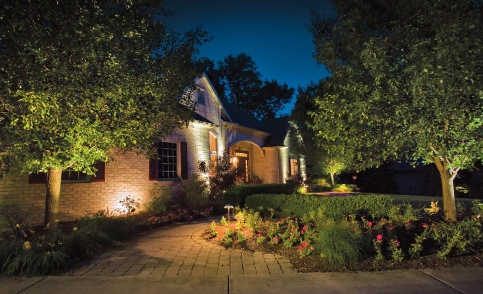 изображение подсветки придомовой территории